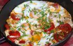 Омлет с помидорами, колбасой и зеленым луком рецепт с фото