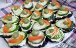 Баклажаны кружочками с огурцом, мягким сыром и маслинами