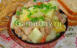 Тушеная картошка со свининой в мультиварке, рецепт с фото