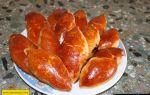 Пирожки с вишней в духовке из дрожжевого теста, рецепт с фото