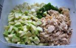 Салат из консервированного тунца, авокадо и огурца – рецепт с фото